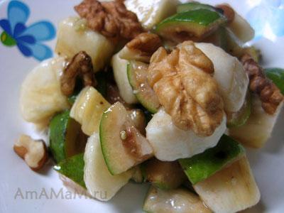 Фейхоа с бананами, мёдом и грецкими орехами