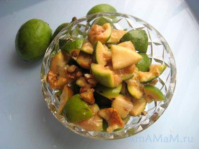 Фейхоа с грецкими орехами - лечебный салат