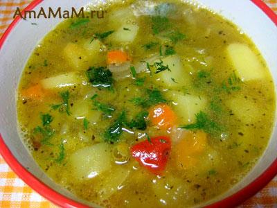 Вкусный гороховый суп на мясном бульоне с помидорами, перцем и картошкой