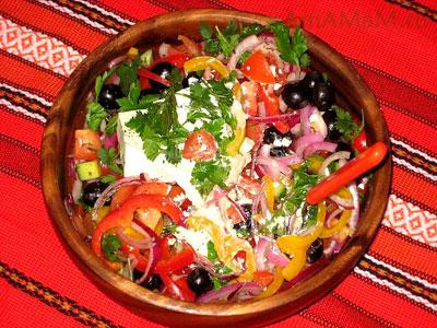 Как выглядит настоящий греческий салат Хорьятики - рецепт и фото