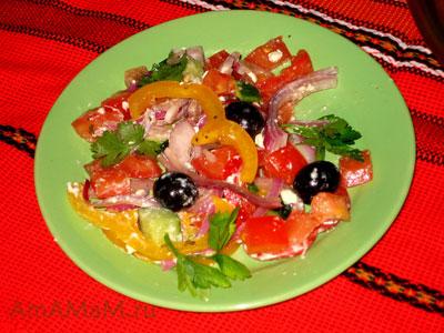Греческий салат - простое и вкусное блюдо