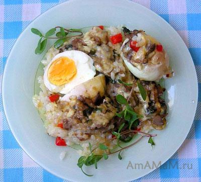 Вкусный проверенный рецепт риса, запеченного с яйцами под соусом из грибов