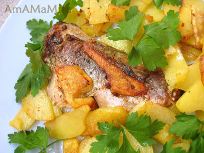 жареная картошка с рыбой