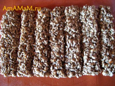 Очень вкусные и простые домашние козинаки из семечек
