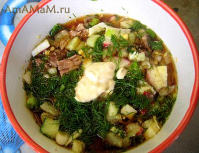 холодный суп - о крошка из овощей, зелени, яиц и мяса