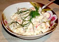 Вкусный праздничный салат Столичный с копченой курицей и яблоком, похож на Оливье, но с другим оттенком вкуса