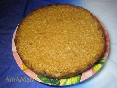 Готовый яблочный пирог (хлебная яблочная шарлотка)