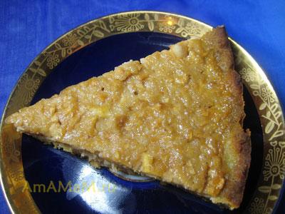 Кусочек простого яблочного пирога (шарлотки)