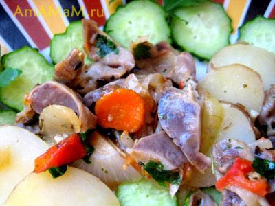 Тушеные куриные желудочки с картофелем - рецепт