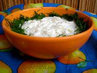 Вкусная закуска из сырой редьки со сметаной