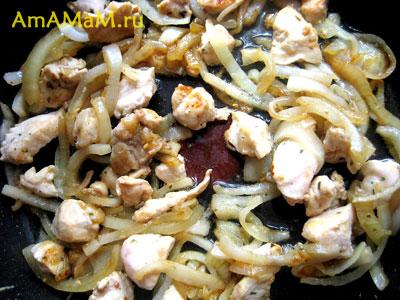 Как пожарить или потушить рис в сковороде - рецепт и фото