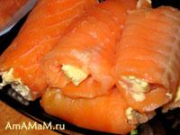 рулеты из лосося со сливочным маслом