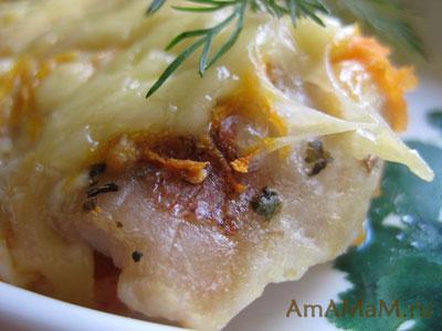 кусочек рыбы под соусом