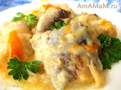 Тушеная треска с луком и морковкой - фото и рецепт