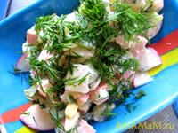 Салат Окрошка из редиса, картошки, огурца, яиц и зелени