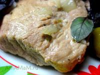 Свинина тушеная с оливками