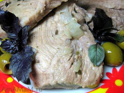 Вкусный кусочек тушеной свинины