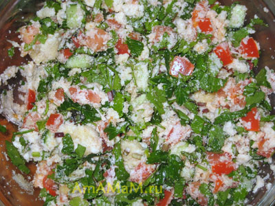 338Салат из булгура с помидорами и зеленью