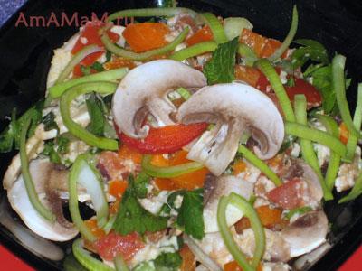 Талуи с булгуром и добавками из грибов, перца и порея