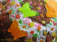 торт Полянка из шоколадной колбаски