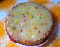 Яблочный бисквитный пирог под заварным кремом из фруктов