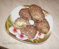 Вкусные мясные зразны с начинкой из лука и яйца