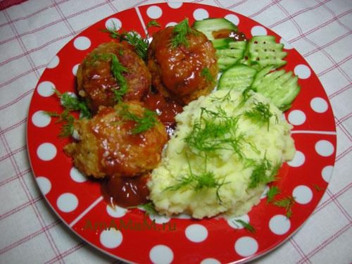 Рецепт вкусных тефтелей с томатным соусом и сметаной - просто и вкусно!
