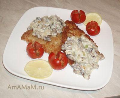 Рецепт камбалы под сливочно-грибным соусом с фото