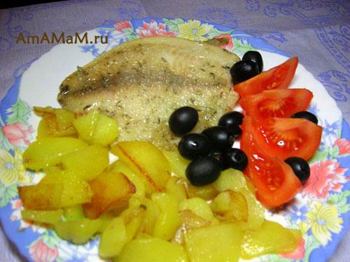 Тилапия, жареная в крахмале с гарниром = очень вкусная еда!