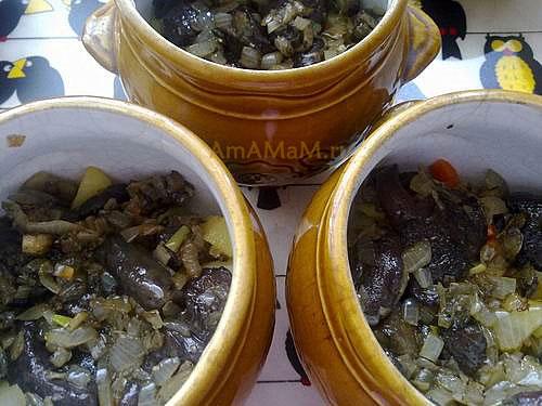 Рецепт жаркого из картофеля с грибами под хлебной крышечкой