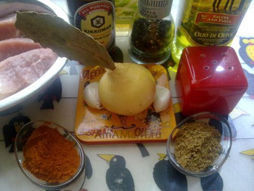 СОстав продуктов для приготовления испанского мяса на шампурах - маринованной жареной свинины