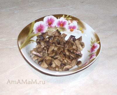 Жареные грибы шампиньоны - начинка для фаршированной куриной грудки (отбивных, обжаренных и запеченных в духовке)