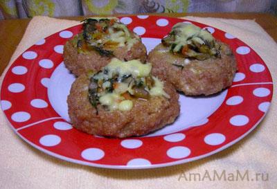 Вкусные обжареные и запеченые в духовке куриные котлеты с вешенками, луком и сыром!