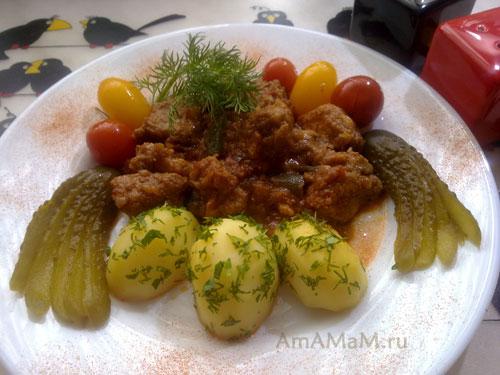 Вкусное тушено мясо (свинина) по венгерски с картошкой