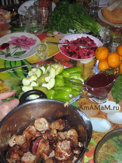 Сацебели из алычи к шашлыку - очень вкусное мясо в соусе!