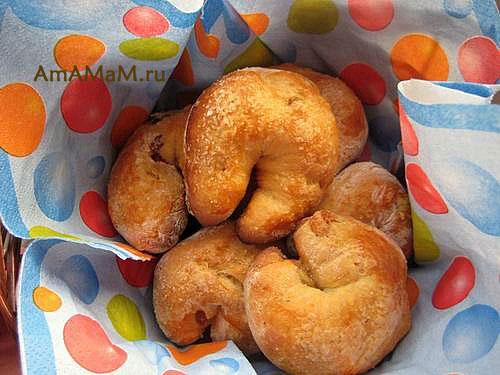 Греческие булочки к Пасхе в виде яйца