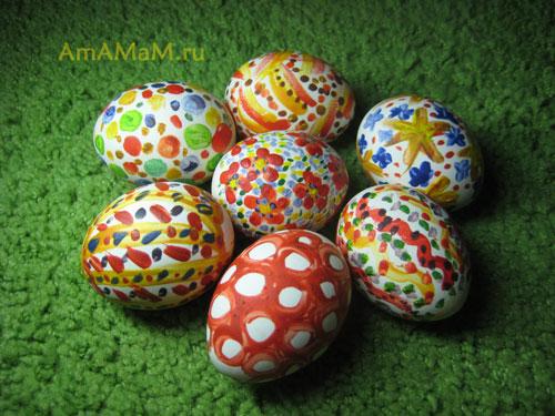 Способ крашения яиц гуашью -фото