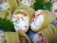 Очень вкусные фаршированные лумакони (итальянские большие макароны - улитки) - отличная закуска!