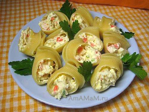 Вкусная закуска из макарон с начинкой - лумакони