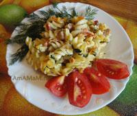 Очень вкусная и простая запеканка из витушек с окороком и овощами!