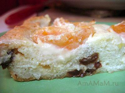 Творожный пирог с изюмом и мандаринами на срезе