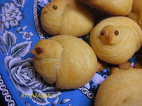 Вкусное печенье Жаворонки - булочки из постного дрожжевого теста