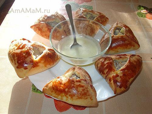 Очень вкусное татарское блюдо из теста и мясной начинки с картошкой и луком