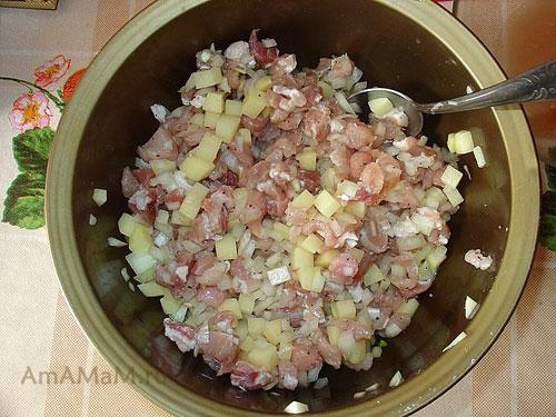Начинка для ичпичмаков из мяса, лука и картошки