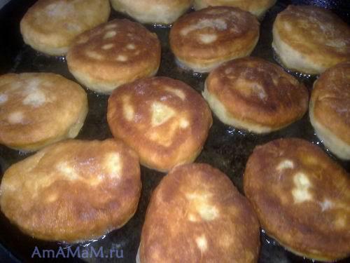 Жарка пирожков на сковороде - очень вкусные пирожки!