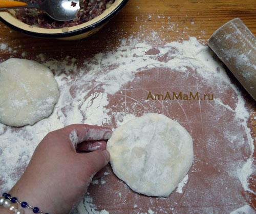 Как делать беляши - плоскими и пропеченными