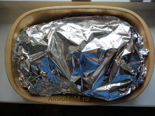 Как запечь свиную шейку в духовке завернутой в фольгу