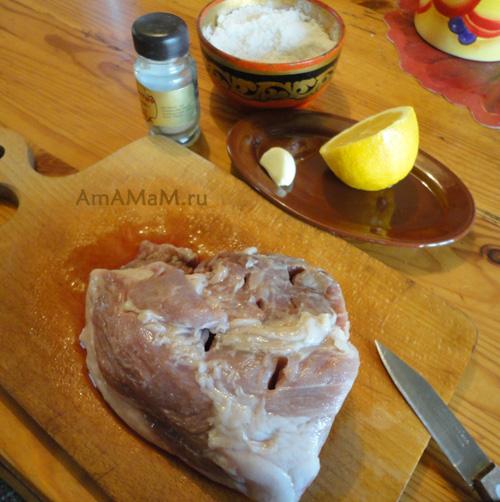 Как нафашировать мясо грибами