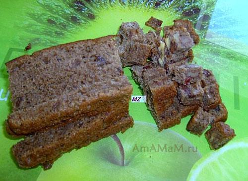 ПРиготовление крутонов из черного хлеба с сухофруктами и орехами