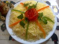 Очень вкусный сырный салат с ветчиной, паприкой и помидорами по-французски